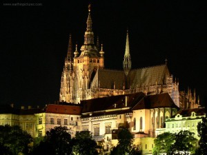 prague_castle_at_night
