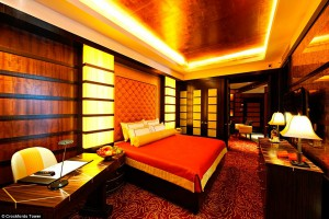 29DDF4A500000578-3130151-Crockfords_is_an_all_suite_hotel_that_offers_lavish_furnishings_-a-6_1434986557105